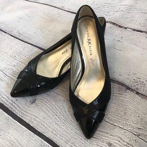 Anne Klein iflex pointed toe black kitten heels